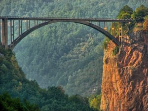 Brücke über unsere Abgründe ©czu_czu_PL/pixabay